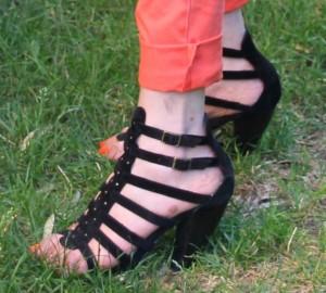 """Chaussures dites """"gladiateurs"""" de chez André."""