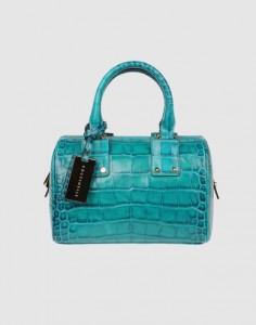 Une forme classique dans un beau turquoise.