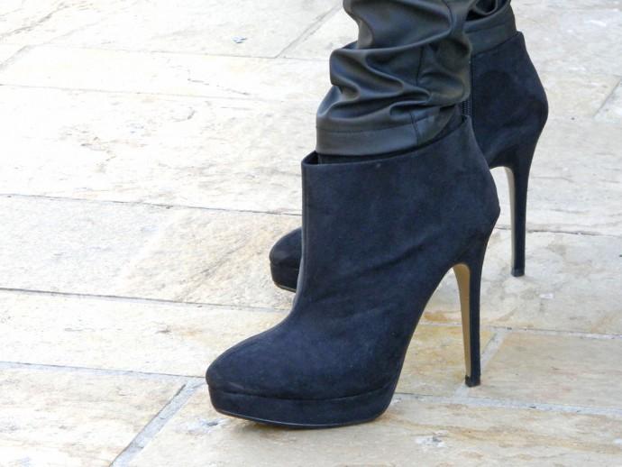 Boots Zara.