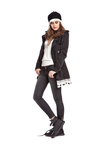 Manteau et slim Amy-Gee.