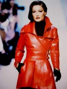 Manteau en cuir rouge Montana.