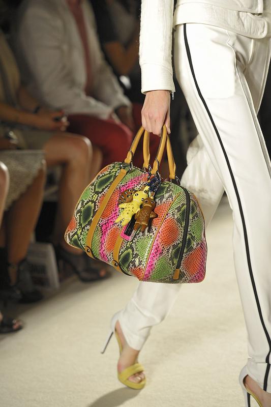 Le sac coloré façon python.