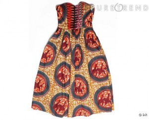 Une robe Bustier.