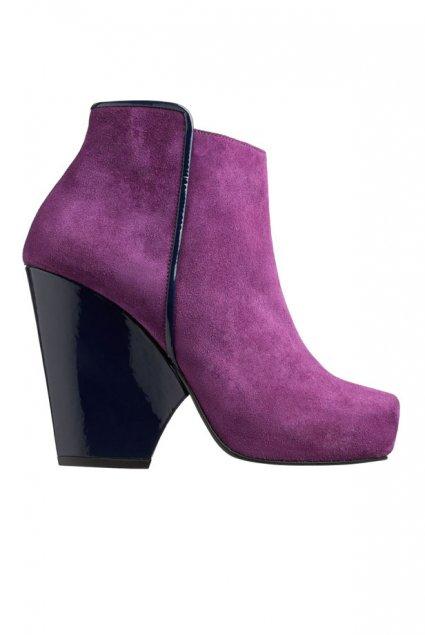 Boots violette.
