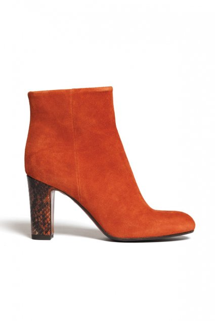 Boots Lafayette.