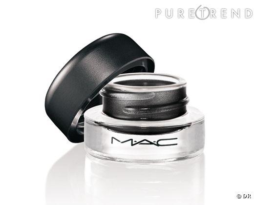 Un eye liner gel Mac par CR.