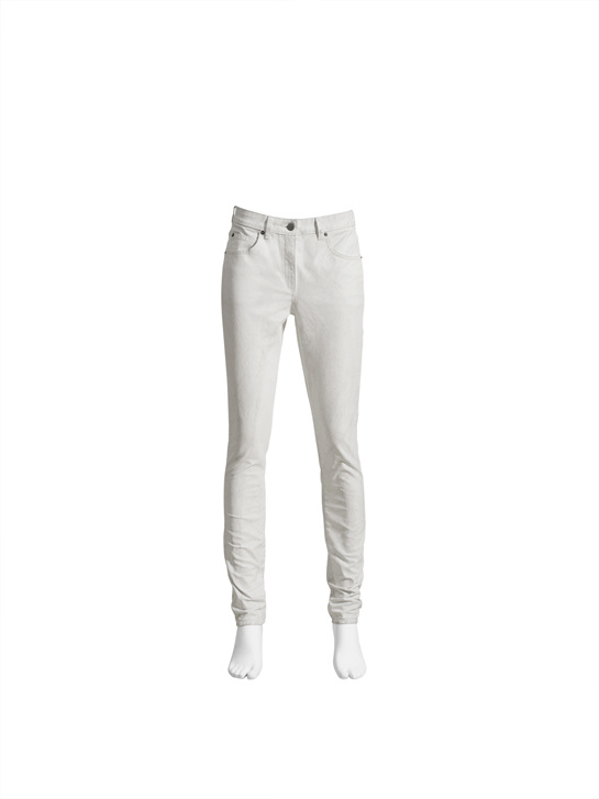 Le jean blanc.